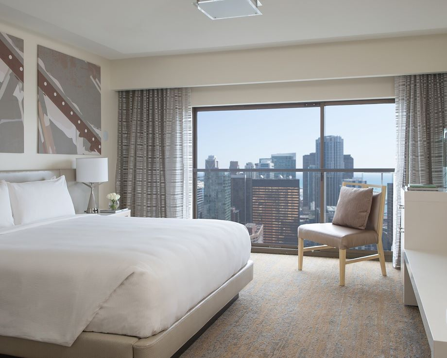 Guest room with city view at Chicago Marriott Downtown Magnificent Mile