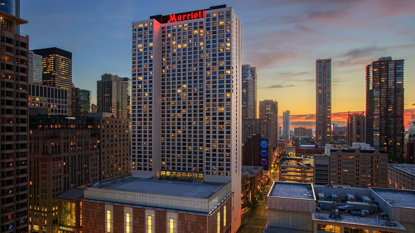 Exterior Photo of Chicago Marriott Downtown Magnificent Mile