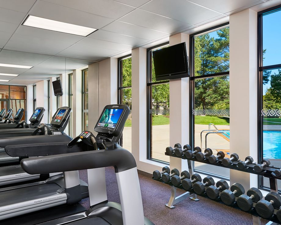 Four Points by Sheraton Milwaukee North Shore Fitness Center