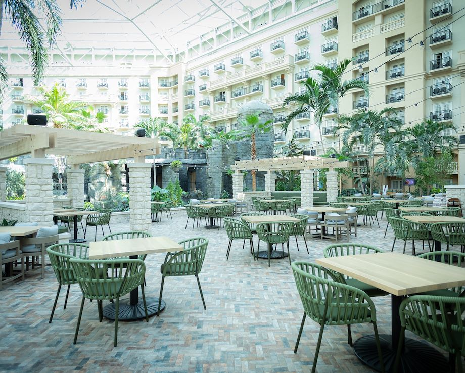 Villa de Flora Patio - Gaylord Palms Resort