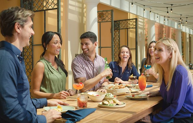 Group dining at Socio at Gaylord Palms