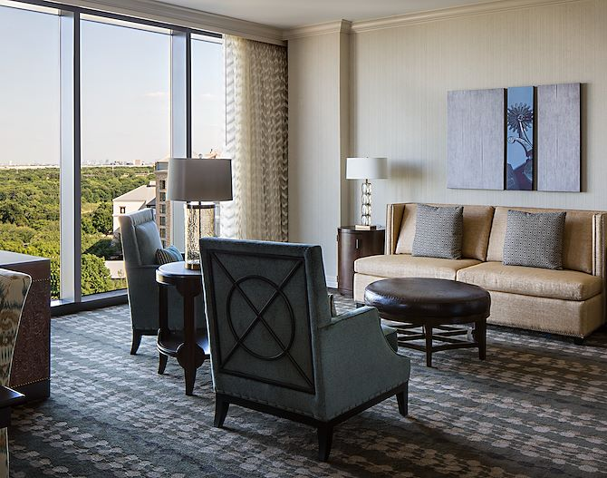 Vineyard tower suite Grapevine view