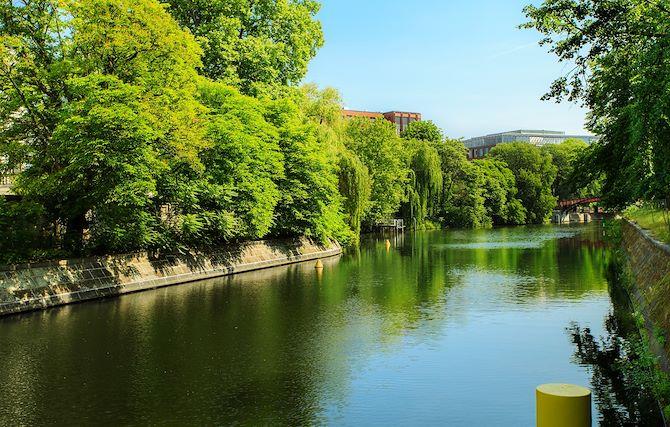Tiergarten – Berlin's Green Lung (disance: 0.3 km)