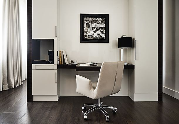 Suite - Work Desk