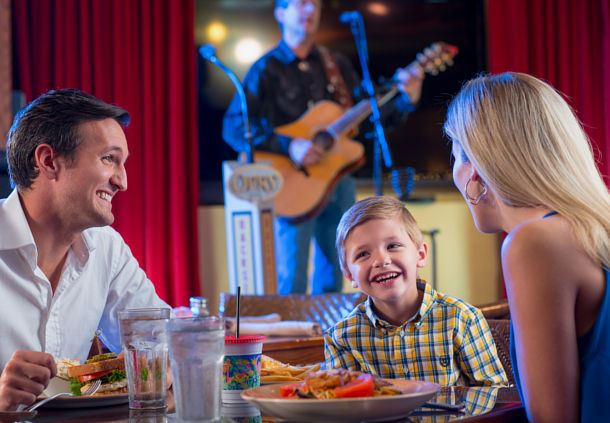 Family Dining at Opry Backstage Grill