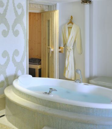 Royal Suite Bathroom & Sauna