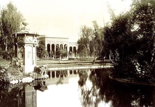 Al Gezirah Palace Gardens Pond