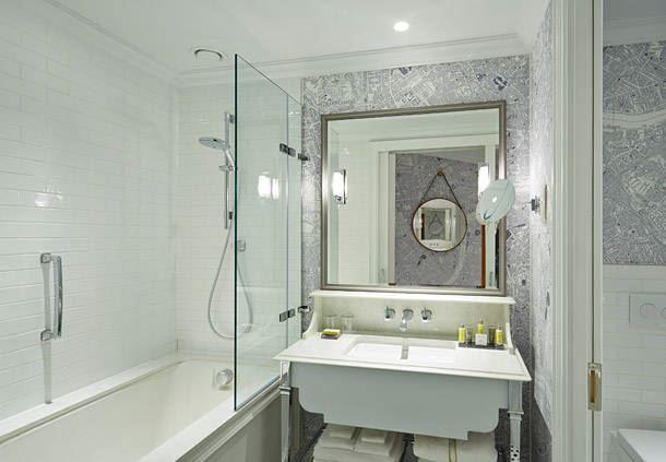 客房豪华浴室