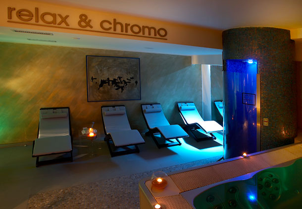 Relax and Chromo Area