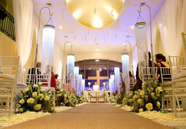 Vista del pasillo al altar