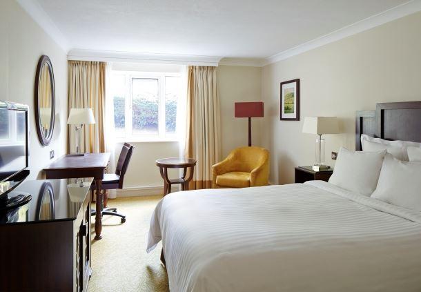 Deluxe Room - King Bedroom