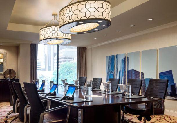 Pearl Boardroom