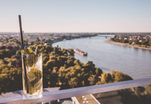 SkyBar Bonn - Drinks mit Aussicht