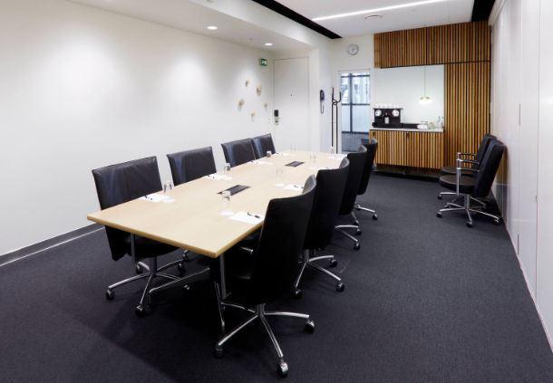 Meetingraum 24 - Boardroom-Aufbau