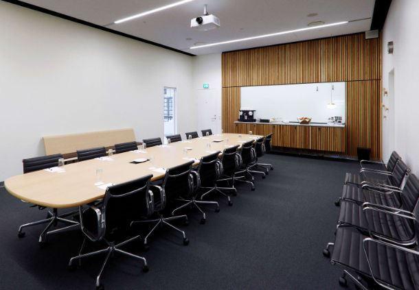 Meetingraum 21 - Boardroom-Aufbau