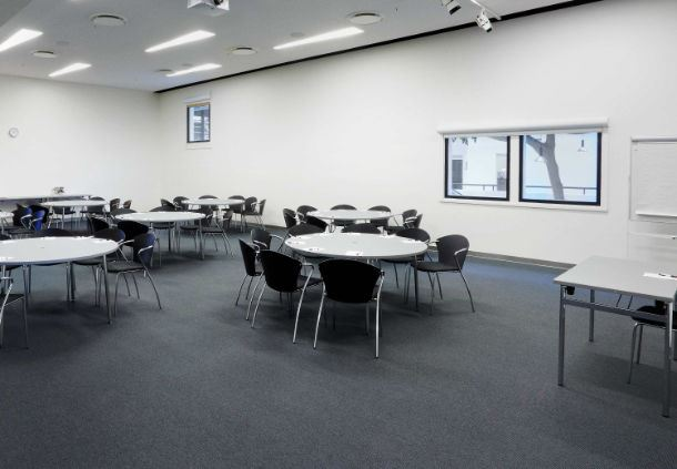 Meetingraum 20 - Bankettbestuhlung