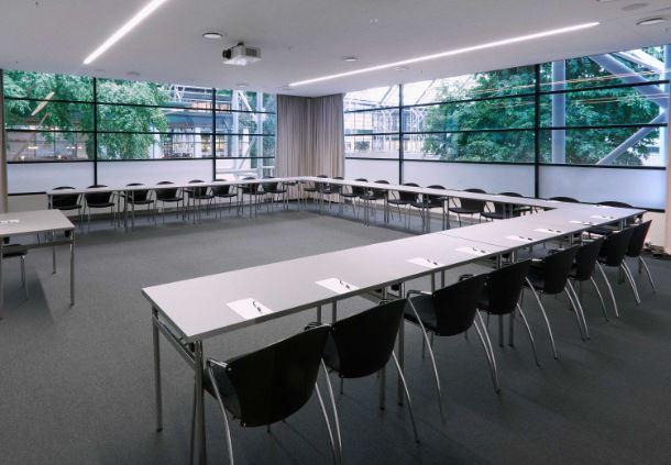 Meetingraum 17 - U-förmige Bestuhlung