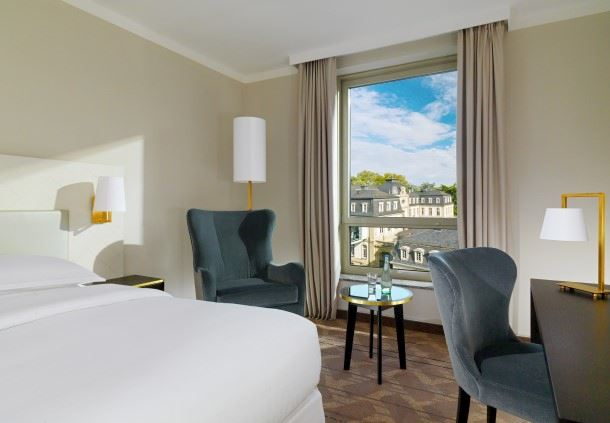 Club Zimmer mit Kingsize-Bett