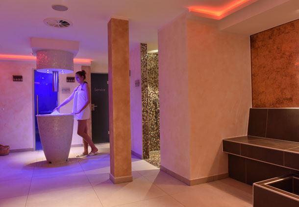 Saunabereich mit Eisbrunnen