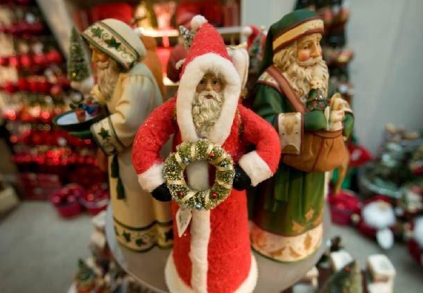 Grand Lodge Christmas Décor