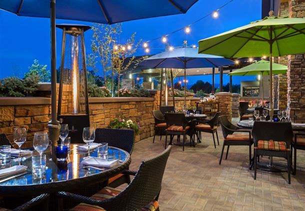 Tiller's Kitchen & Bar - Outside