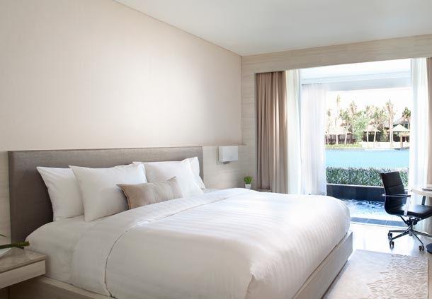 Premium Pool View Room