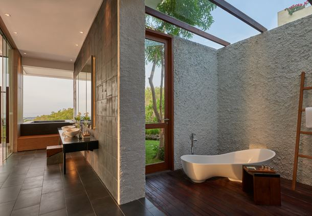 Presidential Villa - Master Bathroom