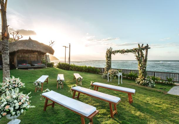 Rooster Fish Beach Club - Wedding Ceremony