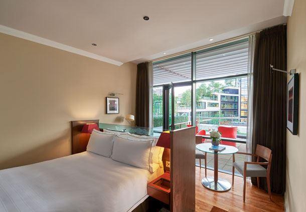 Greenside Terrace Room