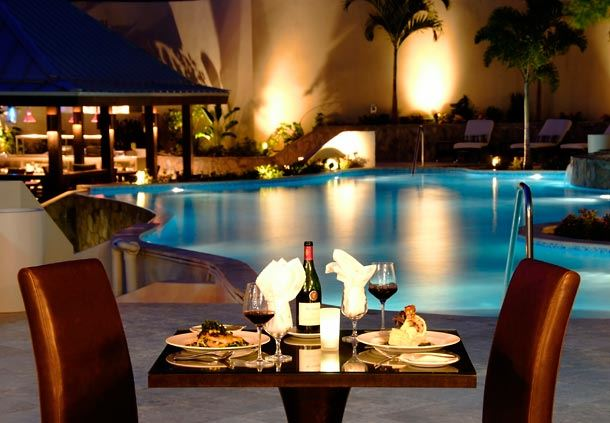 Caravela Restaurant Poolside Dining