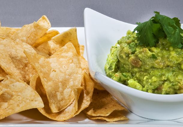 Fresh Guacamole & Tortilla Chips