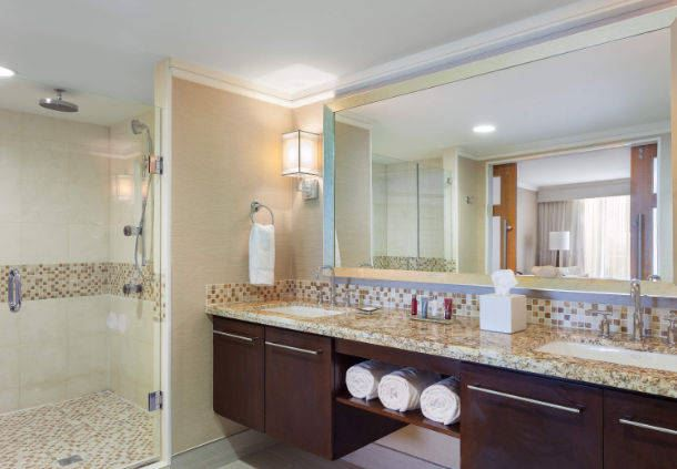 Vice Presidential Suite - Bathroom