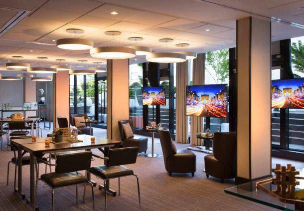 Salle de réunion : configuration salon