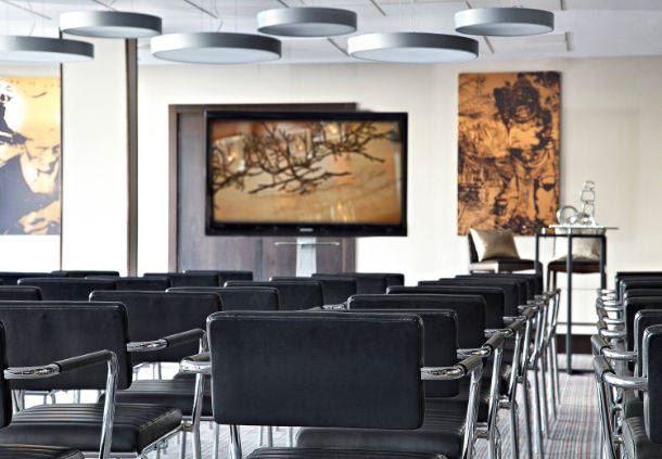 Salle de réunion : configuration en U