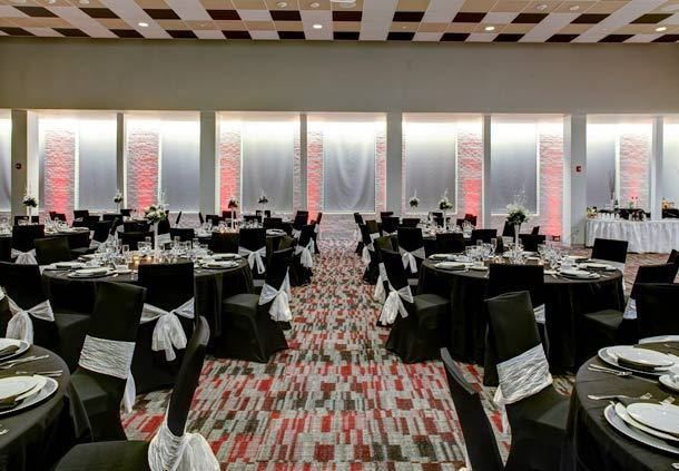 The Mississippian Ballroom: Elegant Banquets for up to 600.