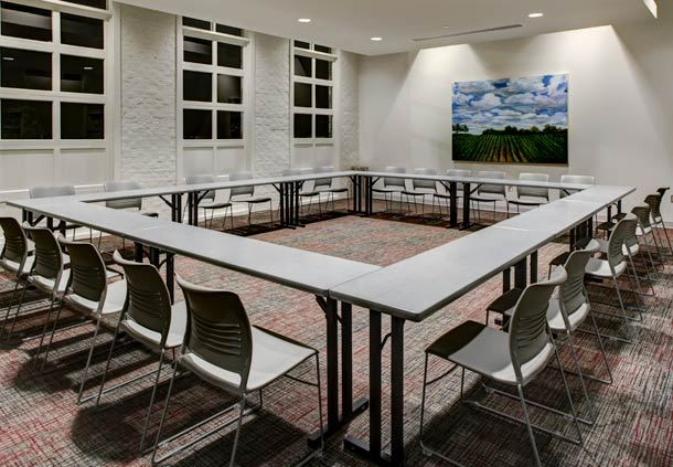 Small Meetings & Flexible Breakout Space