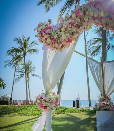 Infinity Lawn Venue Overlooking the Sea