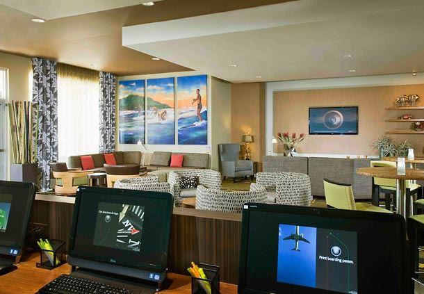 Lobby Computer Lounge