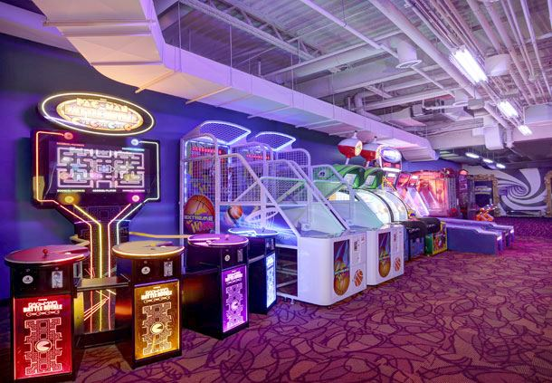 Niagara Falls Fun Zone - Gaming Area