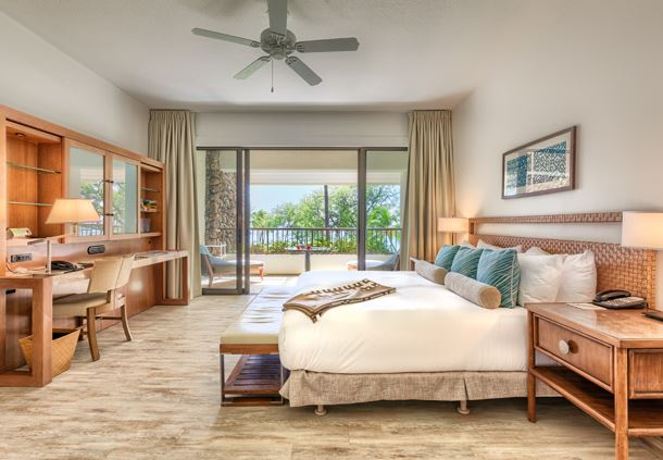 Beachfront Deluxe Suite Bedroom