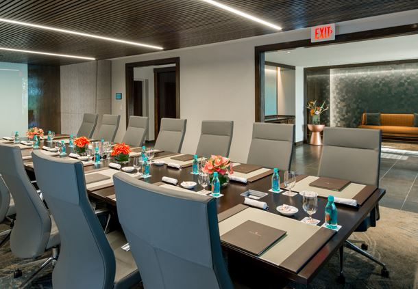 Kona Boardroom Seating
