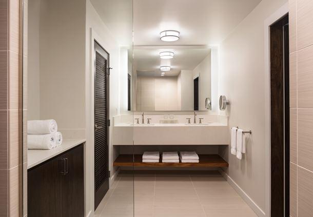 Na Hale Guest Bath