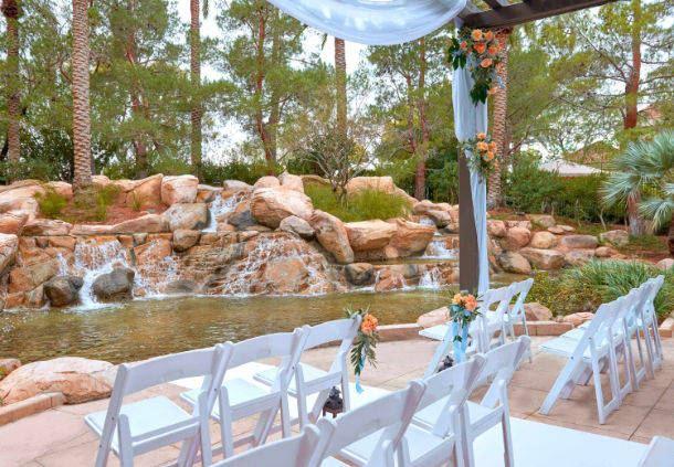 Hawthorn Fresh Air Wedding