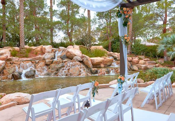 Hawthorn Waterfall Wedding