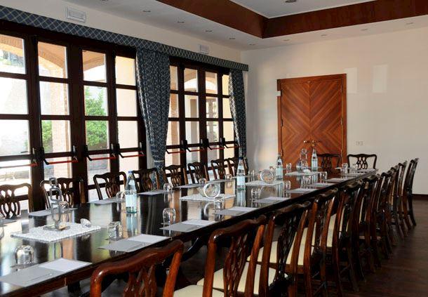 Gulì - Boardroom Setup