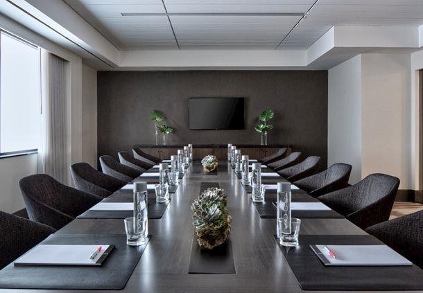 Astoria Meeting Room
