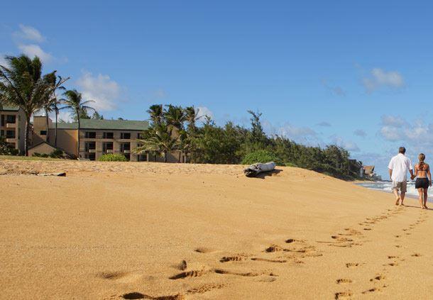 liCourtyard Kauai's Golden Beach