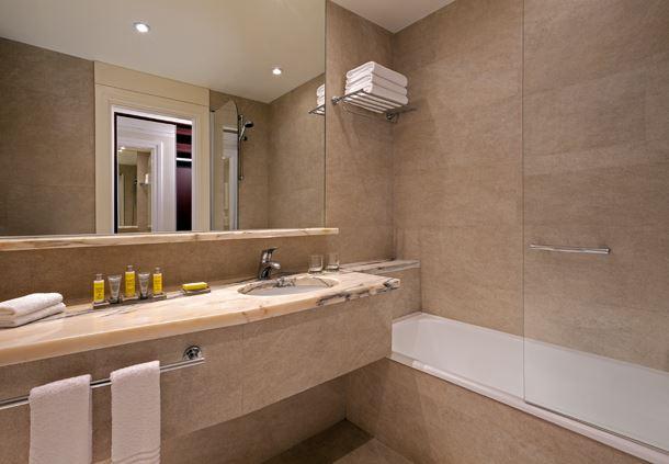 Executive Bath