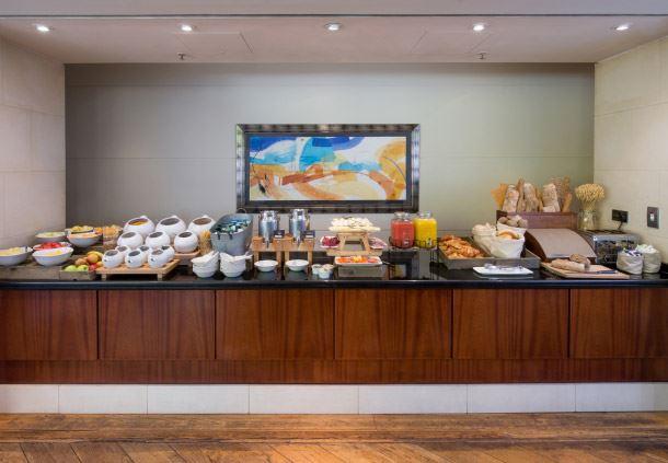 Cast Iron Bar & Grill - Breakfast Buffet