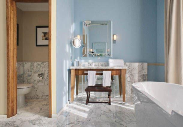 Sir John Betjeman Suite - Bathroom